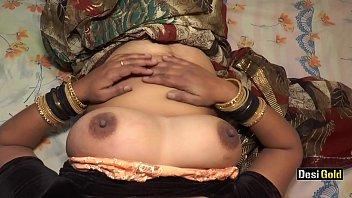 भारतीय पत्नी अद्भुत हस्तमैथुन